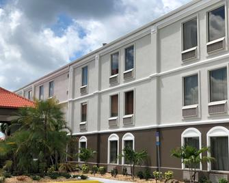 Best Western Plus Bradenton Hotel & Suites - Bradenton - Gebäude