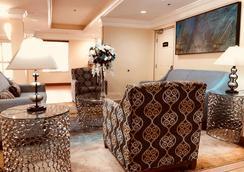 Best Western Plus Bradenton Hotel & Suites - Bradenton - Aula