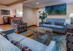 Best Western Plus Bradenton Hotel & Suites - Μπρέιντεντον - Σαλόνι ξενοδοχείου
