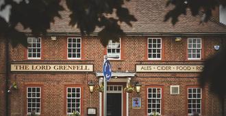 Grenfell Arms - Мейденхед - Здание