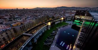 بارسيلو رافال - برشلونة - المظهر الخارجي