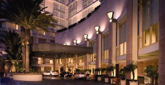 Omni Los Angeles Hotel at California Plaza - Los Angeles - Rakennus