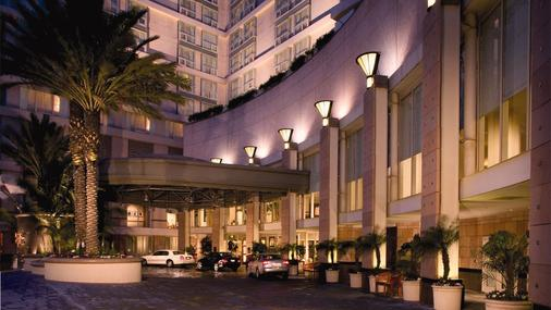 Omni Los Angeles Hotel at California Plaza - Λος Άντζελες - Κτίριο