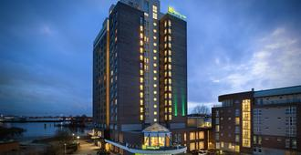 Holiday Inn Hamburg - Hampuri - Rakennus