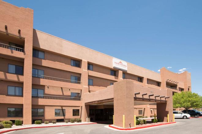 Hawthorn Suites by Wyndham Albuquerque - Albuquerque - Gebouw