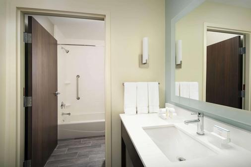Homewood Suites San Antonio Airport - San Antonio - Bathroom