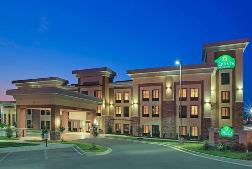 La Quinta Inn & Suites by Wyndham Memphis Wolfchase - Memphis - Gebäude