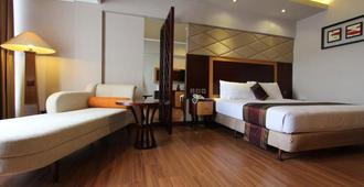 Regent's Park Hotel - Malang