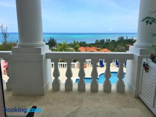 Ocean West Boutique Hotel - Nassau - Balcony