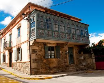 Casa Don Din - Arnego - Building