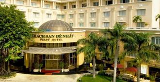 First Hotel - Ho Chi Minh City