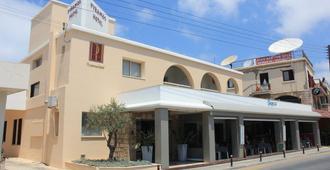 Pyramos Hotel - Paphos - Building