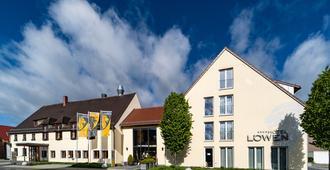 Hotel & Gasthof Löwen - אולם - בניין