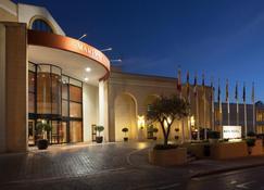 Marina Hotel Corinthia Beach Resort - San Ġiljan - Bâtiment