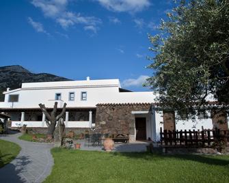 Turismo Rurale Belvedere Pradonos - Dorgali - Building