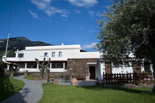 Turismo Rurale Belvedere Pradonos - Dorgali - Rakennus