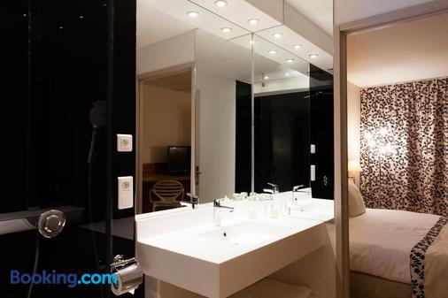 C Suites - Nimes - Bathroom