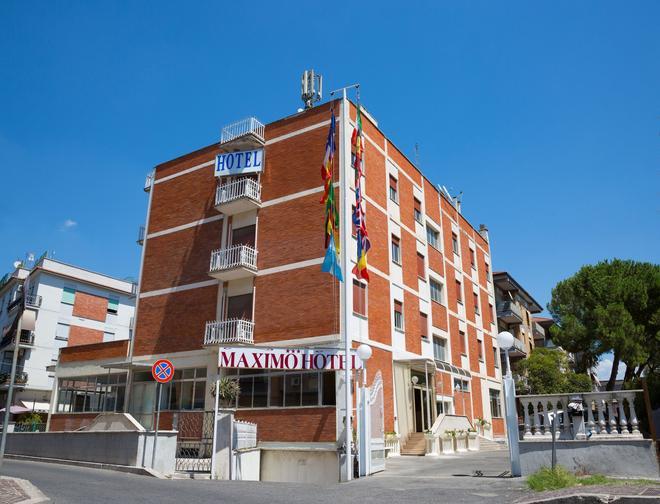 Maximo Hotel - Tivoli - Building