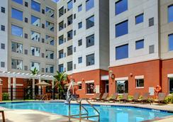 Hyatt House Ft. Lauderdale Airport & Cruise Port - Dania Beach - Uima-allas