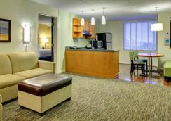 Hyatt House Ft. Lauderdale Airport & Cruise Port - Dania Beach - Bedroom