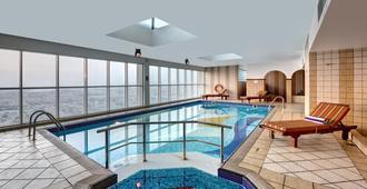 阿聯酋大酒店公寓 - 杜拜 - 杜拜 - 游泳池