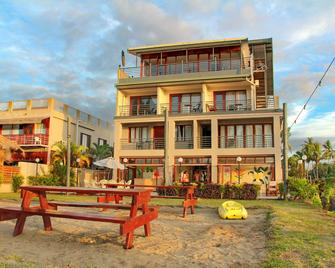 Bamboo Backpackers - Nadi - Building