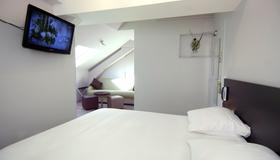 1924 Hôtel Grenoble - Grenoble - Bedroom