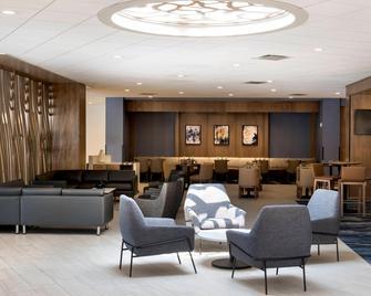 Delta Hotels by Marriott Utica - Utica - Salónek