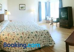 The Cavendish Motel - Cavendish - Bedroom