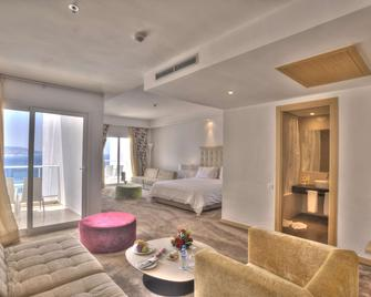 Hotel Farah Tanger - Tangier - Bedroom