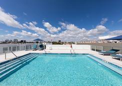 Penguin Hotel - Miami Beach - Uima-allas