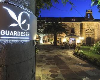 Los Guardeses - Valdecilla - Außenansicht