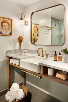The Scott Resort & Spa - Scottsdale - Bathroom