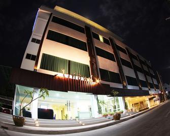 White Inn Nongkhai Hotel - Nong Khai - Building