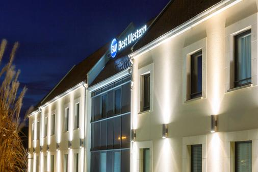 Best Western Hotel La Mare O Poissons - Ouistreham - Building