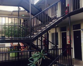 Adventurers Resort - Hostel - Townsville - Rakennus