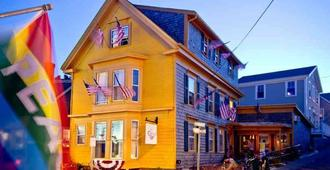Crew's Quarters Historic Gayguesthouse - Provincetown - Gebouw