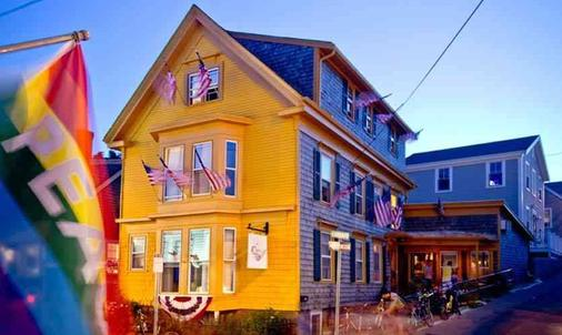 Crew's Quarters - Only All Male Guesthouse - Provincetown - Κτίριο