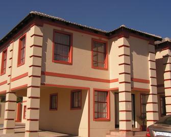 Moshitametsi Guesthouse - Kempton Park - Κτίριο