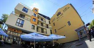Hotel Cisar - Leópolis - Edificio