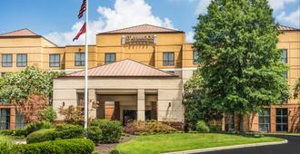 Staybridge Suites Memphis-Poplar Ave East - Memphis - Building