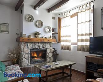 Casa Rural Martínez - Santo Domingo de Silos - Wohnzimmer