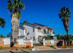 Madonsa Guest House - Manzini - Pool