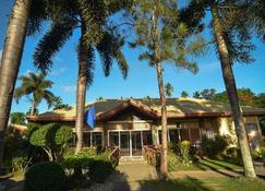 Zacona Eco-Resort & Biblical Garden - San Pablo City - Edificio