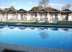 Mornington Motel - Mornington - Zwembad