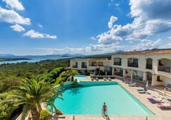 佩特拉比安卡酒店 - 阿札切納 - 阿爾扎凱納 - 游泳池