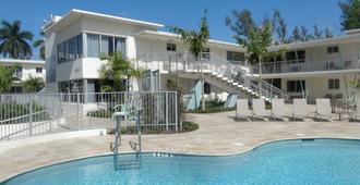 Tranquilo A North Beach Village Resort Hotel - Φορτ Λόντερντεϊλ - Πισίνα