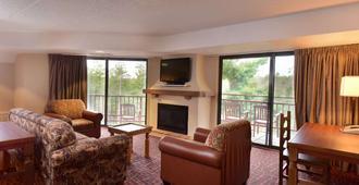 Chula Vista Resort, Trademark Collection by Wyndham - Wisconsin Dells - Living room