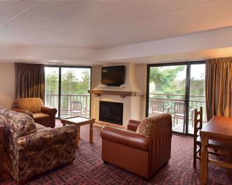 Chula Vista Resort, Trademark Collection by Wyndham - Wisconsin Dells - Вітальня