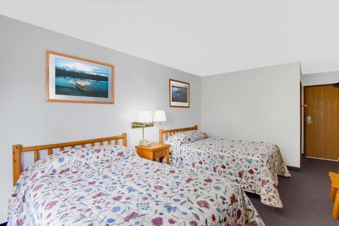沃倫地區喬治河速 8 酒店 - 萊克喬治 - 喬治湖 - 臥室